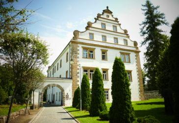Weifberg, Šluknovský zámek a Karlovo údolí